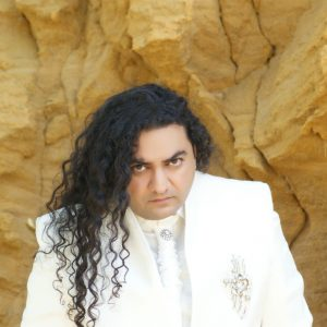 Taher Shah hire famous singers