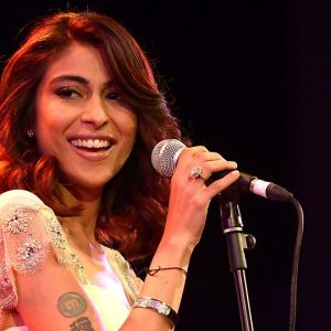 Meesha Shafi hire famous singers