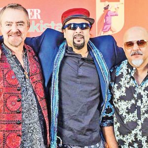 Junoon Band hire famous singers
